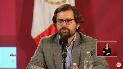 Alejandro Svarch Pérez, director de Relaciones Internacionales de la SSa, comentó que se incrementarán los puestos de médicos especialistas (Foto: Captura de pantalla)