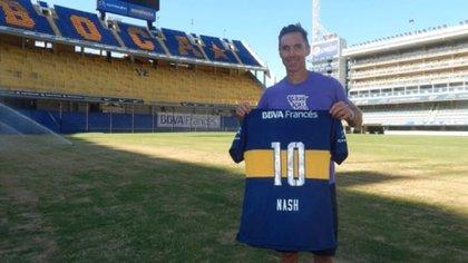El día que Steve Nash visitó la Bombonera y se llevó la 10 de regalo (Boca Juniors)