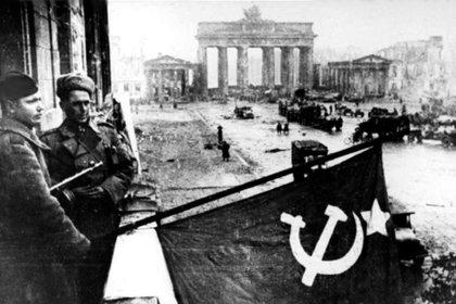 Tropas del Ejército Rojo en Berlín, Mayo de 1945