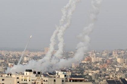 El Ejército de Israel respondió una serie de ataques de Hamas (REUTERS/Mohammed Salem)