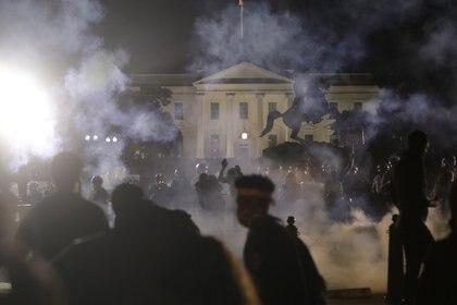 Manifestantes en las inmediaciones de la Casa Blanca.  REUTERS/Jonathan Ernst