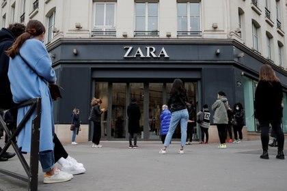 Inditex, la firma titular de Zara, registró pérdidas en el primer trimestre de 2020 por primera vez en su historia tras tener que cerrar el 90% de sus locales en el mundo debido a la pandemia del coronavirus.