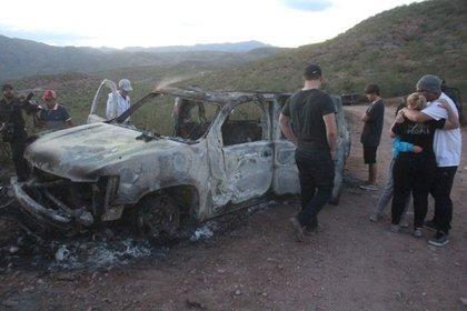 Un grupo armado, ligado a La Línea del Cártel de Juárez, disparó desde una camioneta a los 3 vehículos donde viajaban tres mujeres con 14 menores de edad. (Foto: Cuartoscuro)