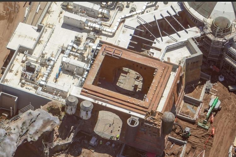 """Faltan cinco meses para que se pueda inaugurar una parte del parque temático de """"Star Wars"""" (Foto: Twitter/bioreconstruct)"""