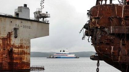 """Los ecologistas aseguran que es """"Un chernobyl flotante"""