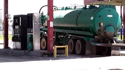 El camion llevándose el combustible de San Camilo
