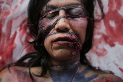 Pese a la pandemia de COVID-19 la violencia de género no cesó (Foto: REUTERS/Raquel Cunha)