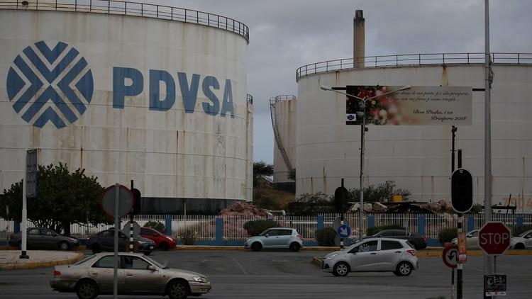 Advierten que hay una paralización importante en el sector petrolero venezolano (Reuters)