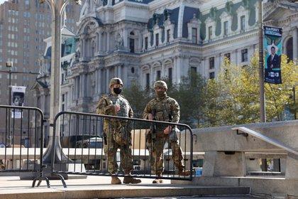 Miembros de la Guardia Nacional de Estados Unidos. Foto: REUTERS/Rachel Wisniewski