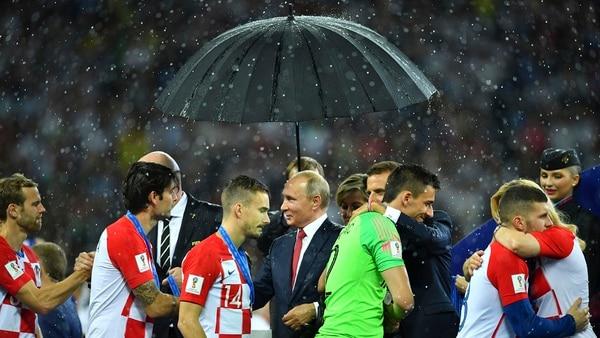 La entrega de medallas a los jugadores de Croacia (Reuters)