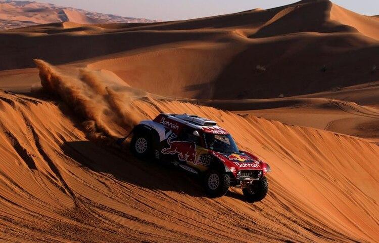 Carlos Sainz, en acción en el Rally Dakar (REUTERS/Hamad I Mohammed)