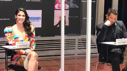 """Eva Cedeño y Mane de la Parra fueron elegidos como protagonistas de """"¿Qué le pasa a mi familia?"""", telenovela de Juan Osorio (TW: @TvsEspectaculos)"""