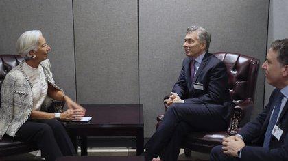 Mauricio Macri, Christine Lagarde y Nicolás Dujovne, durante una reunión en New York