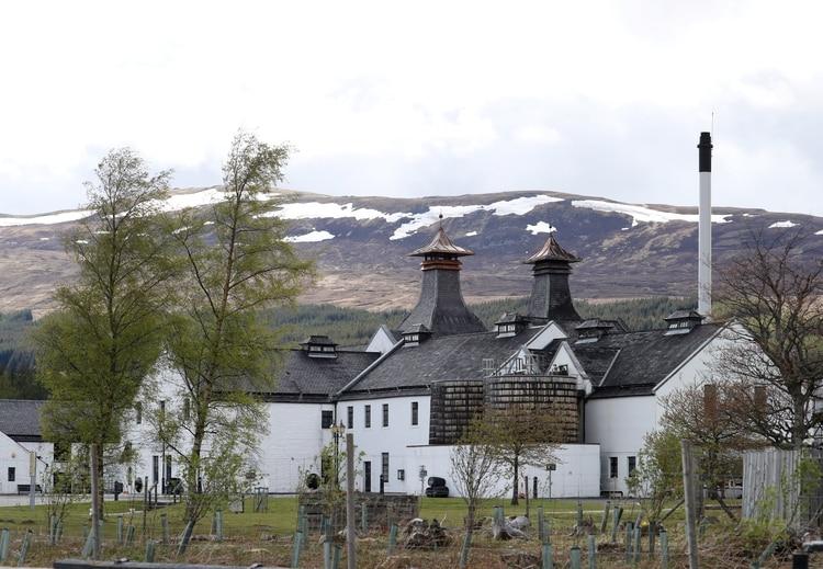The Dalwhinnie Whisky Distillery, en Escocia REUTERS/Russell Cheyne