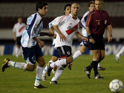 Federico Higuaín debutó como profesional con la camiseta de River (Fotobaires)