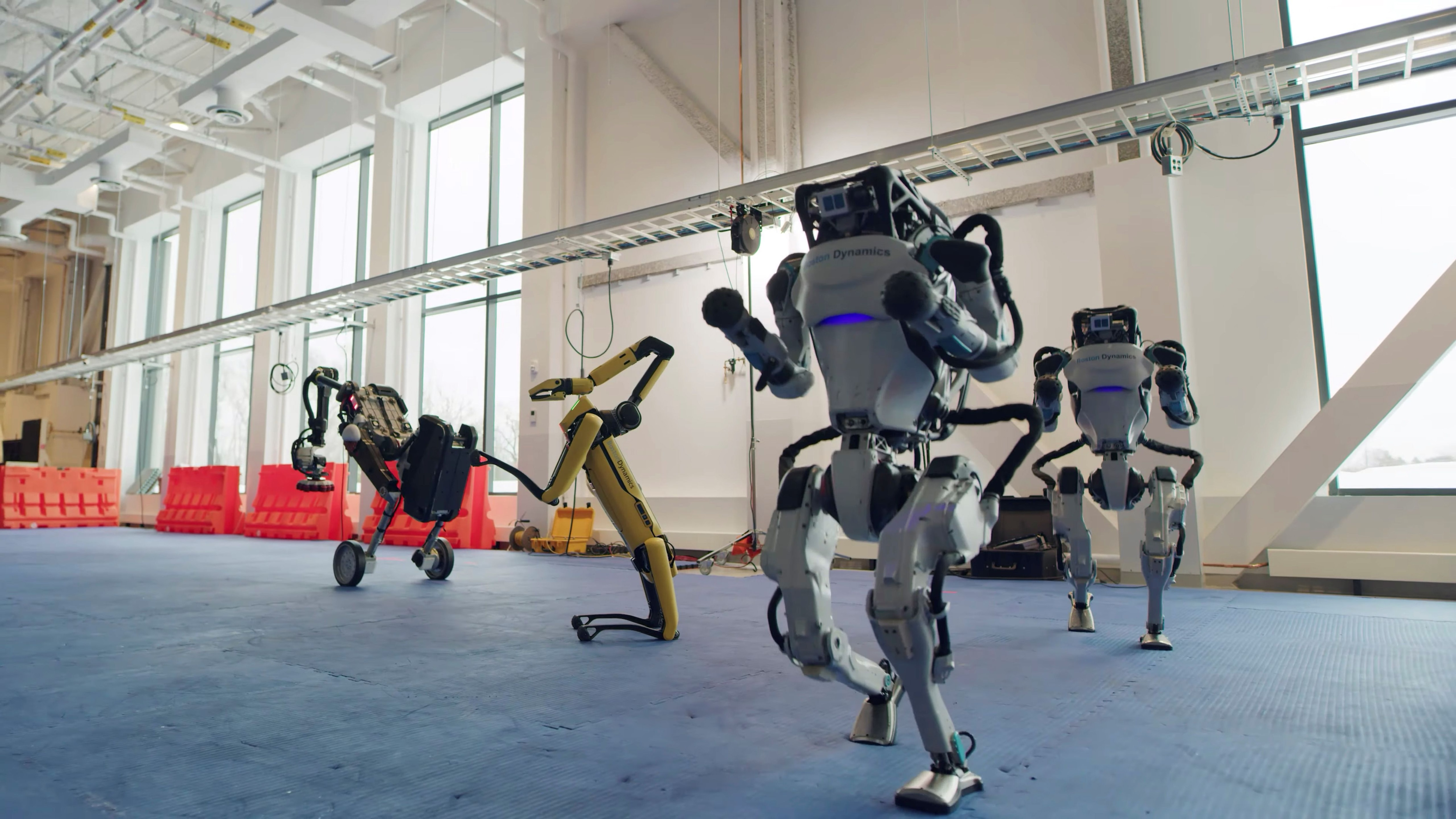 Spot, Handle y Atlas se mueven al ritmo de la música (Boston Dynamics via REUTERS )