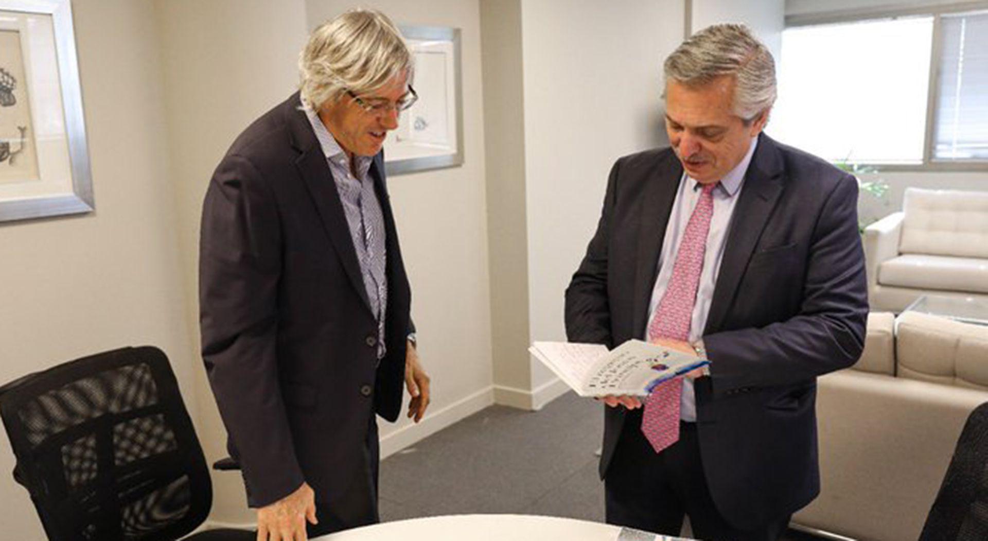 Alejandro Roemmers aseguró que la adquisición de la colección está toda documentada. (foto: @alferdez)