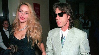Mick Jagger y Jerry Hall fueron se casaron en 1990 en una ceremonia en Bali (AP)