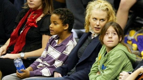 Nicole Kidman con sus hijos Connor e Isabella en 2004