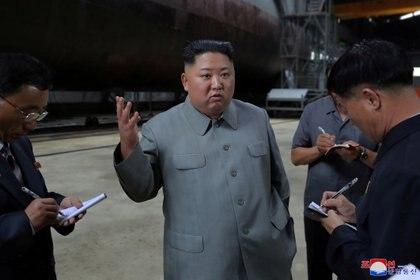 El dictador de Corea del Norte Kim Jong-un lidera la más vieja dictadura comunista del mundo, un año más longeva que China (KCNA via REUTERS)