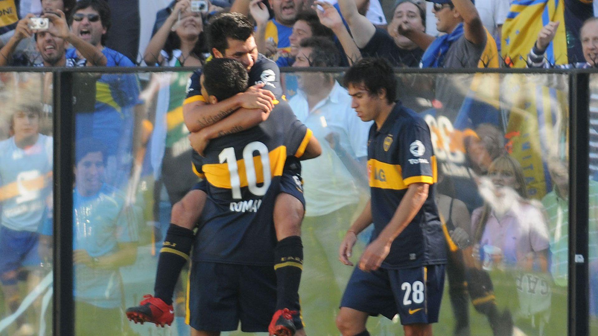 Gary Medel y Riquelme Boca
