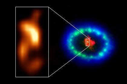 """Las imágenes en resolución extremadamente alta de ALMA revelaron una """"mancha"""" caliente en el polvoriento núcleo de Supernova 1987A. (Foto: POLITICA INVESTIGACIÓN Y TECNOLOGÍA NRAO/AUI/NSF, IAU, SKY & TELESCOPE)"""