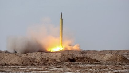 """This handout photo provided by Iran's Revolutionary Guard Corps (IRGC) official website via SEPAH News on January 16, 2021, shows a launch of a missile during a military drill in an unknown location in central Iran. - Iran's Revolutionary Guards  launched a missile and drone drill in central Iran, their official website reported, marking the third exercise held by the country's military in almost two weeks. (Photo by - / SEPAH NEWS / AFP) / / XGTY / RESTRICTED TO EDITORIAL USE - MANDATORY CREDIT """"AFP PHOTO / Iran's Revolutionary Guard via SEPAH NEWS"""" - NO MARKETING - NO ADVERTISING CAMPAIGNS - DISTRIBUTED AS A SERVICE TO CLIENTS"""