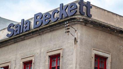 Una ingeniosa reelaboración de un club de trabajadores de la década de 1920 en un nuevo teatro, la Sala Beckett muestra cómo la reutilización adaptativa puede ser una forma de arte y cómo los materiales se pueden extraer de un sitio y volver a desplegar con valor agregado (Shutterstock)