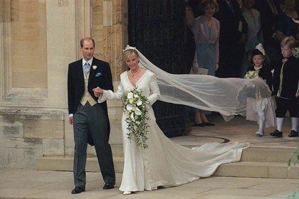 El príncipe Eduardo en su boda con Sophie Rhys-Jones