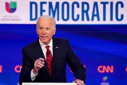 Alejándose de Obama, Joe Biden busca acercarse a los latinos - Infobae