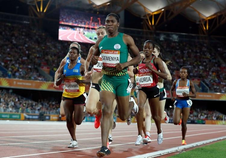 Caster Semenya tiene complicada su participación en los Mundiales de Doha (REUTERS/Paul Childs)