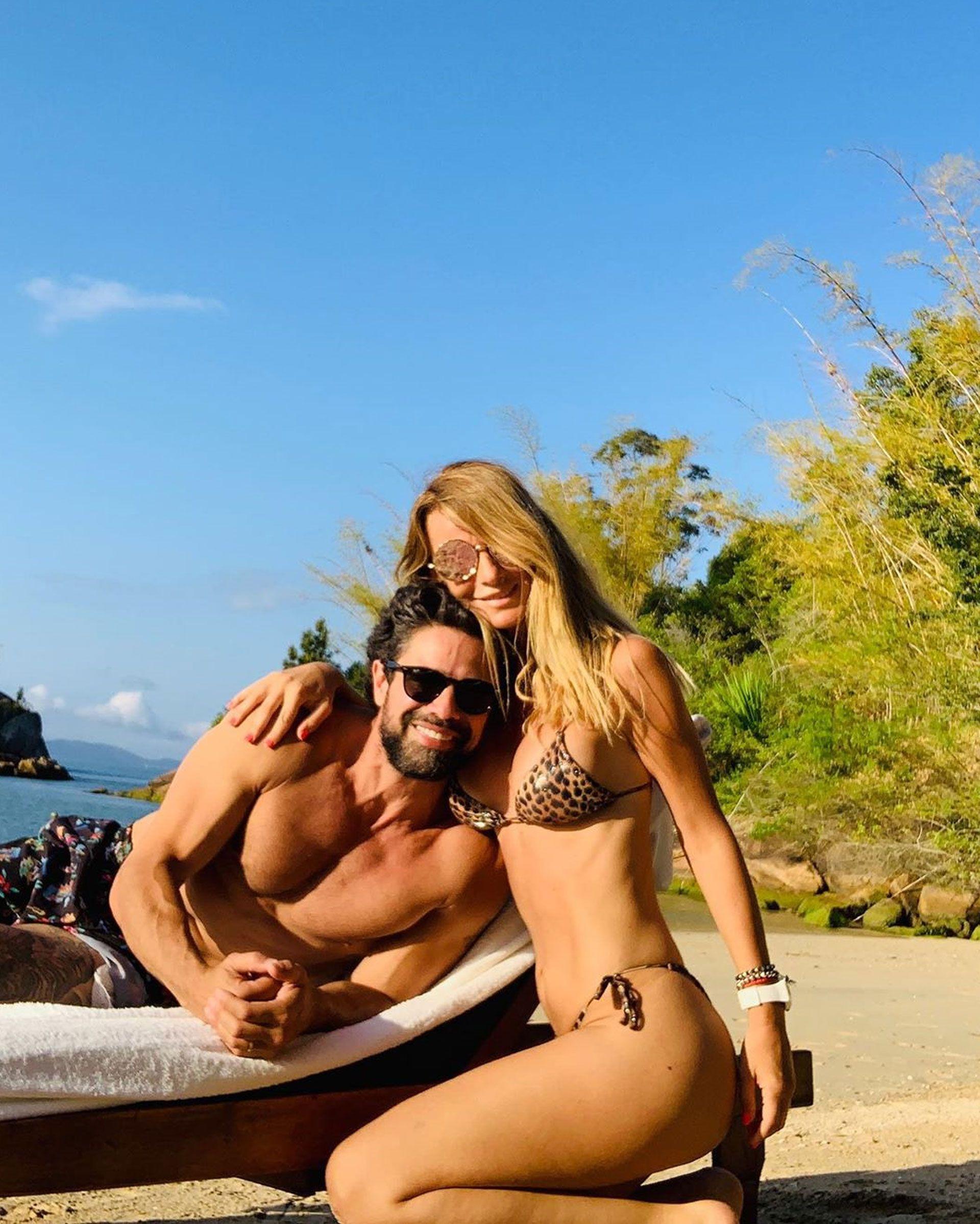 Luciano Castro y Sabrina Rojas, durante unas vacaciones después del escándalo conlas fotos íntimas