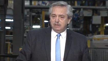 El presidente Fernández en la planta de Sinteplast