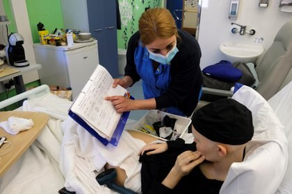 """""""Cuando las personas se infectan, se enferman y tal vez están en la cama durante unas semanas. No se recuperan tan completamente y tan rápido como les gustaría"""", aseguró el doctor Anthony Fauci, REUTERS/Darrin Zammit Lupi"""