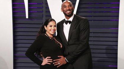 Vanessa Bryan, junto a su esposo Kobe, en una ceremonia de Vanity Fair  en 2019 (Foto: Matt Baron/ Shutterstock)