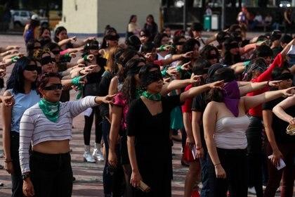"""""""Un violador en tu camino"""", una propuesta del colectivo feminista Lastesis con motivo del Día Internacional de Eliminación de la Violencia contra la Mujer  (Foto: Galo Cañas/cuartoscuro)"""