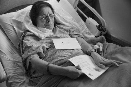 Rachel nunca más pudo caminar, alimentarse o higienizarse sola, y desde 1980 debió vivir en asilos. (Hannah Kozak / He Threw The Last Punch Too Hard / FotoEvidence)