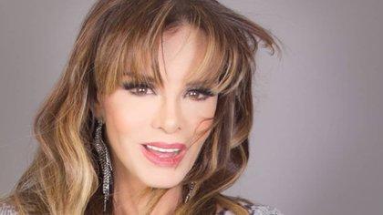 Le falló el playback: Lucía Mendez quedó en evidencia en programa en vivo (Foto: Instagram / @luciamendezof)