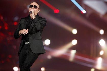 En la imagen, el cantante Pitbull. EFE/Kamil Krzaczynski/Archivo