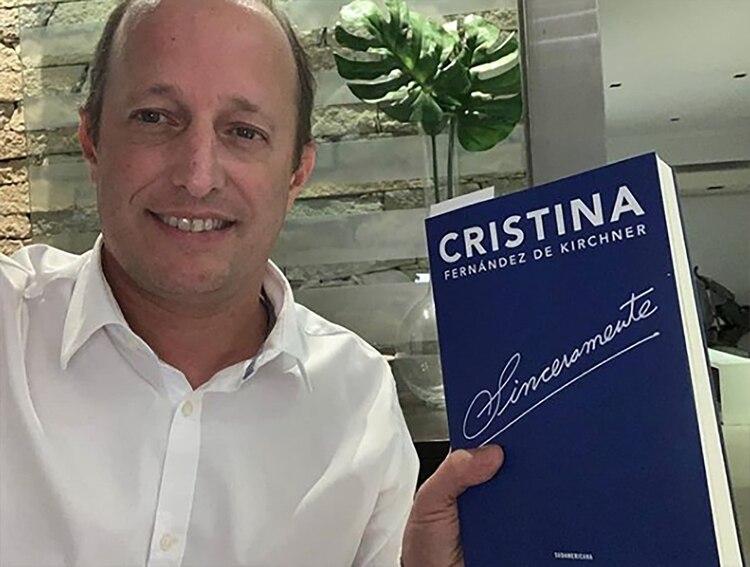 """""""Noche de lectura"""", anticipó el intendente de Lomas de Zamora Martín Insaurralde"""