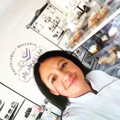 Analía abrió su local en el centro de El Calafate hace tres años (IG: @membrillarpastelería)