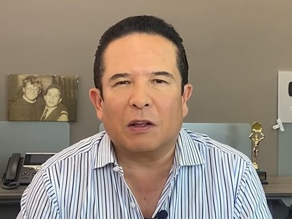 Gustavo Adolfo Infante mencionó que YosStop estaba acabando con la vida de la menor (Captura de Pantalla: Youtube @Gustavo Adolfo Infante)