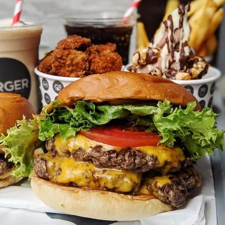 Sándwich hecho 100% mano, con carne de res de vacas alimentadas con pasto premium, hacen la diferencia para que las hamburguesas de Buger Project sean una de las mejores en el mundo (Burger Project)