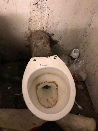 Al hacinamiento en las celdas se suma la falta de la higiene más elemental
