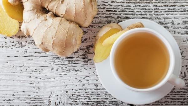 Con la raíz de jengibre se puede hacer té y limonada (iStock)