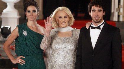 Mirtha junto a sus nietos, Juana y Nacho