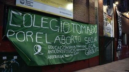La escuela de Bellas Artes Rogelio Yrurtia, en el barrio de Parque Avellaneda, es la primera tomada (Adrián Escandar)