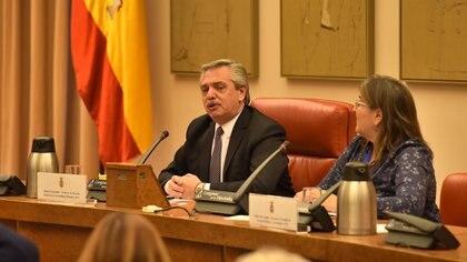 El candidato presidencial del Frente de Todos, Alberto Fernández, en el Congreso de Diputados de España