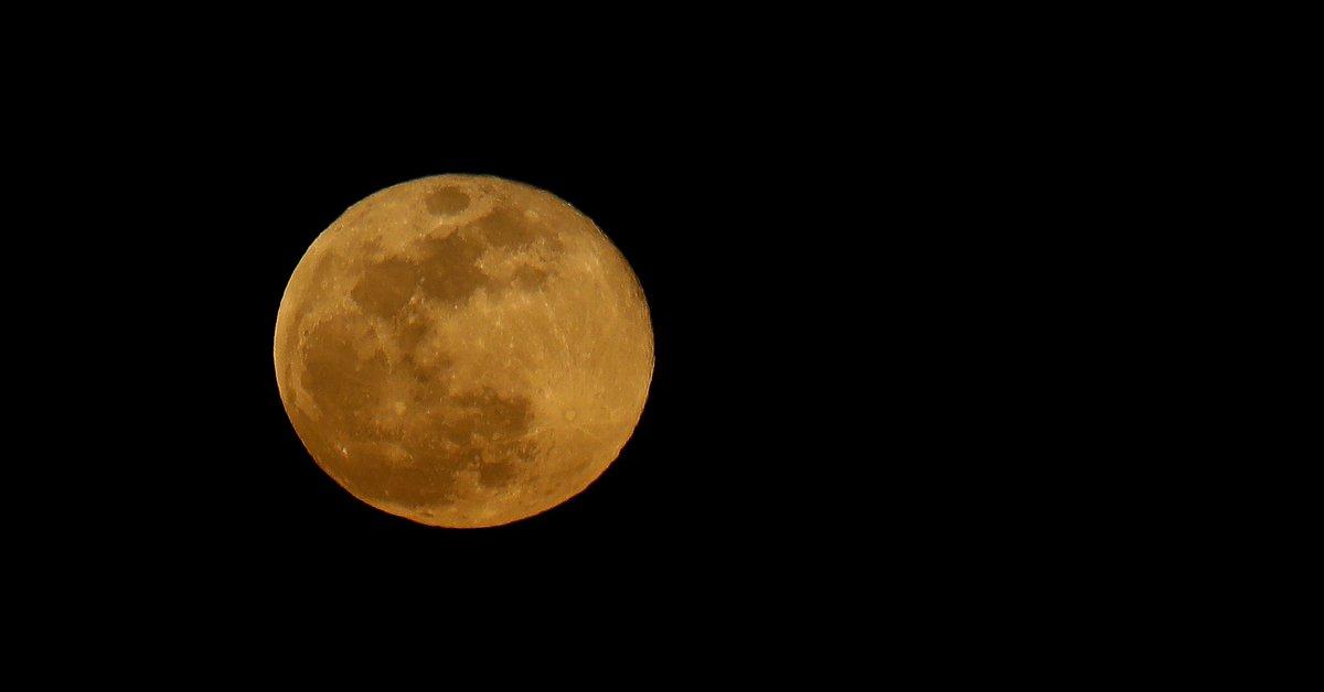 Full moon, supermoon and