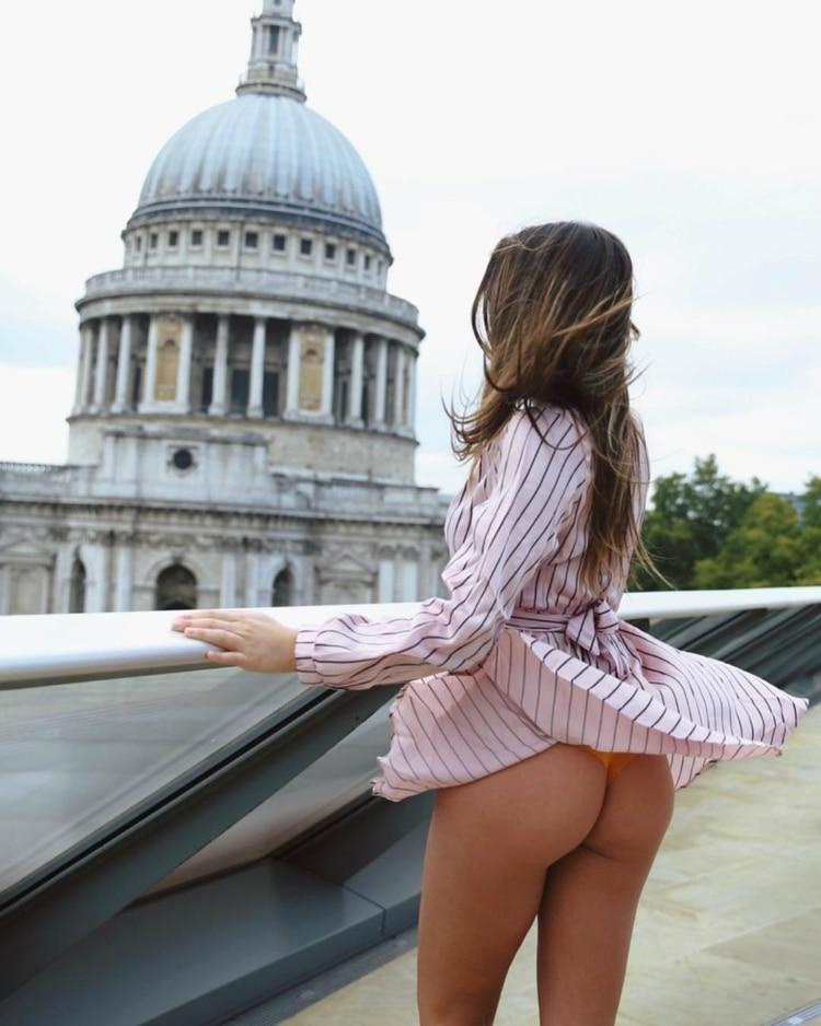 También en la ciudad luce su lado más sensual